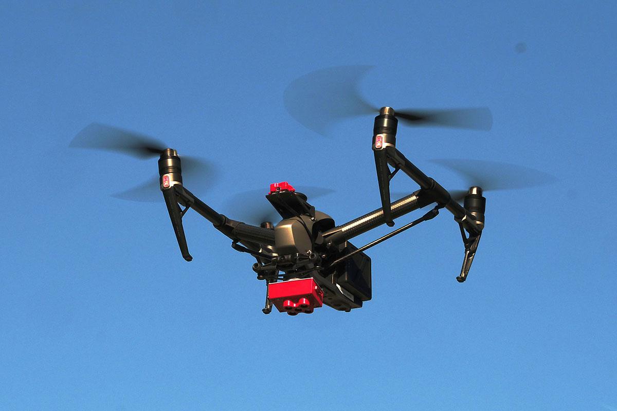 Drone-in-Flight-MSS-1200w